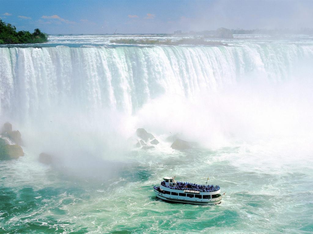 Du Lịch Toàn Cảnh Đông Tây Canada